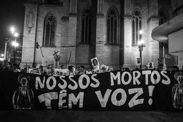 Mães de Maio: a reação contra a violência do Estado   Direitos Humanos
