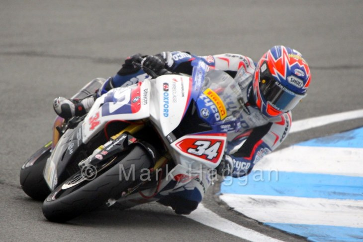 Alastair Seeley in the Pirelli National Superstock 1000 championship at the BSB Weekend at Donington Park, April 2015