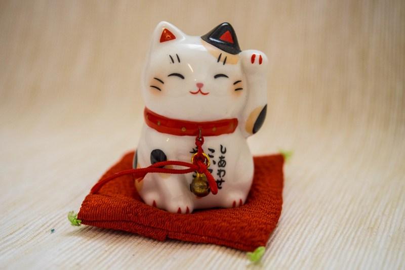 Regalos y souvenirs de Japón: el gato maneki-neko