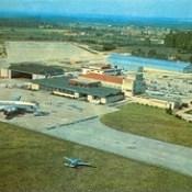 Aeroporto de Pedras Rubras (hoje, de Francisco Sá Carneiro), no final da década de 1950