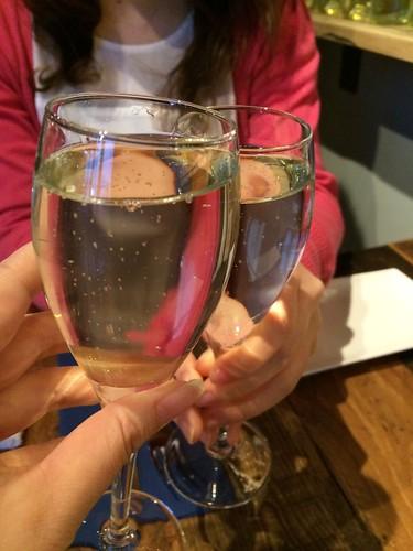 スパークリングで乾杯@HAGARE