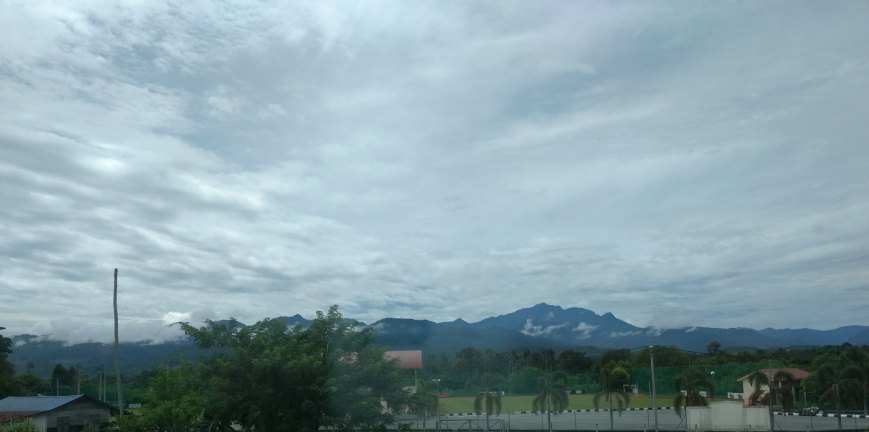 The clouds and the Greenery, KL-Butterworth Komuter