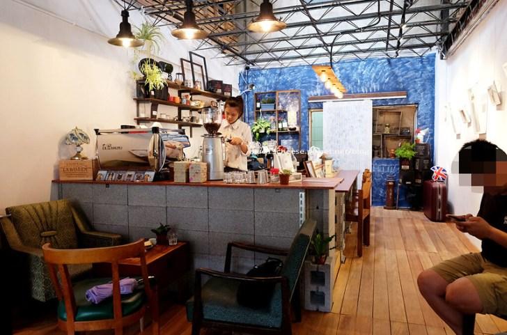 28942367683 a94ae5d086 c - 民生咖啡People&Life.Cafe-復古氛圍老屋咖啡館.加入許多老傢私元素.展區牆.餅乾吐司咖啡香.近向上國中