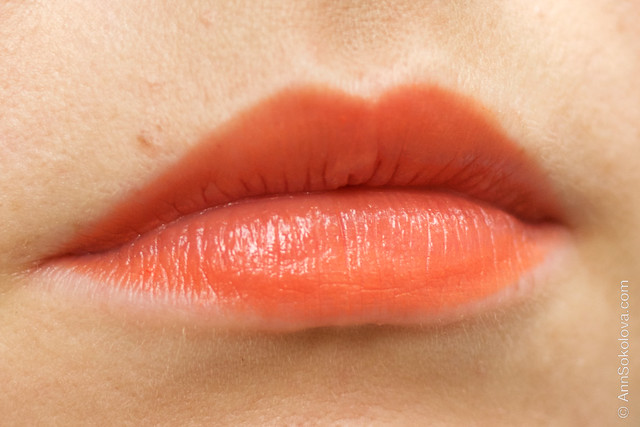 01 Guerlain KissKiss Lipstick #540 Peach Satin makeup swatches Ann Sokolova
