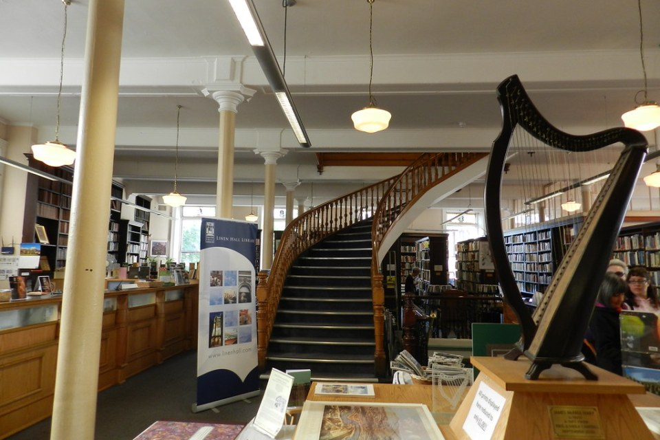 Linenhall Library Belfast Ulster Irlanda del Norte 01