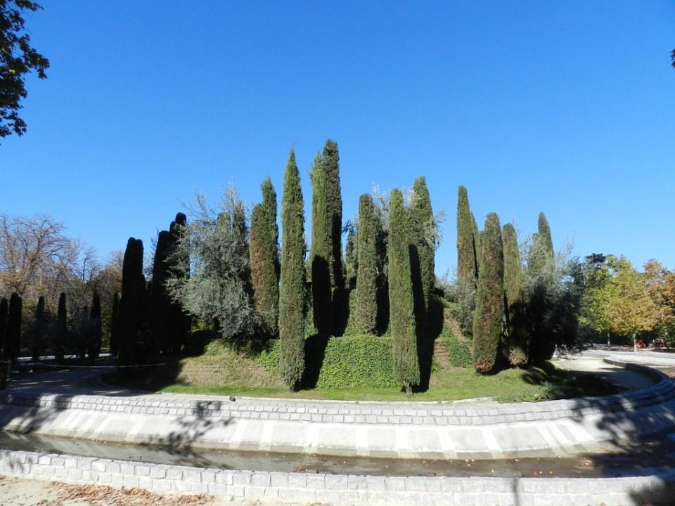 Bosque del recuerdo o de los Ausentes Parque del Retiro Madrid 03