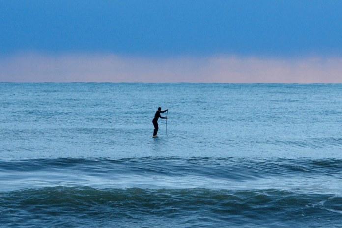 Hem sörf yapıyorlar hem Alanya'yı tanıtıyorlar