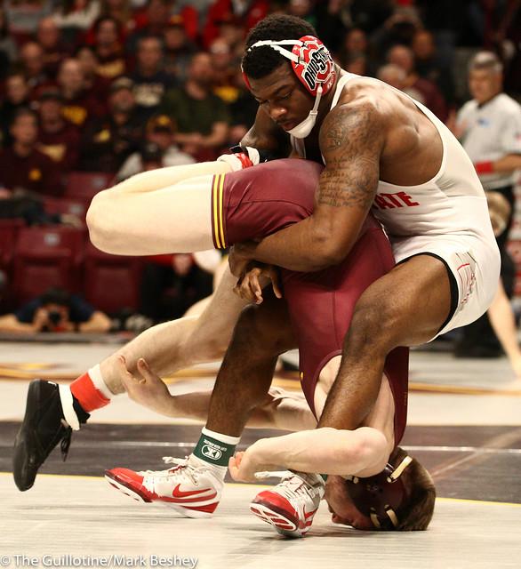 Cons. Round 2 - Te`Shan Campbell (Ohio State) 20-5 won by decision over Carson Brolsma (Minnesota) 17-10 (Dec 3-1) - 190309bmk0042