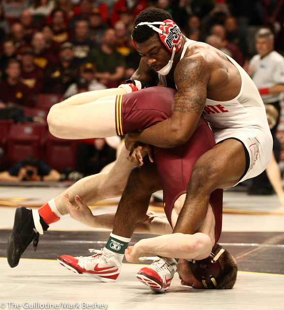 Cons. Round 2 - Te`Shan Campbell (Ohio State) 20-5 won by decision over Carson Brolsma (Minnesota) 17-10 (Dec 3-1) - 190309bmk0042