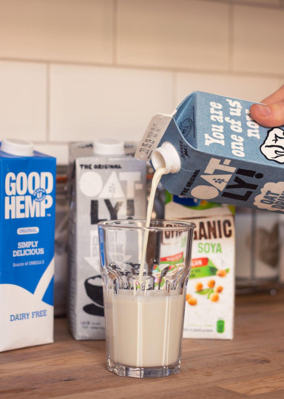 Oatly-Semi-Skimmed-Milk