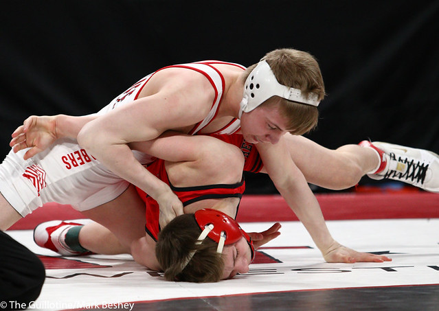 106AAA 1st Place Match - Pierson Manville (Shakopee) 53-2 won by fall over Jore Volk (Lakeville North) 39-4 (Fall 2:19) - 190302bmk0008