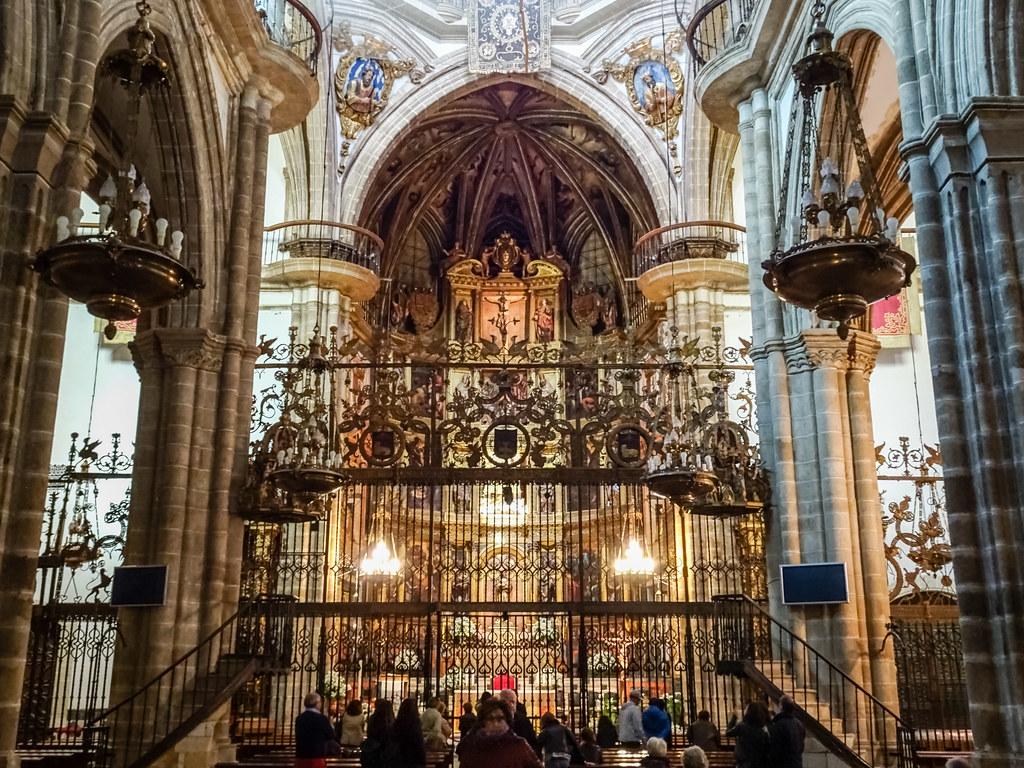 reja interior Real Monasterio de Santa Maria de Guadalupe Caceres 00