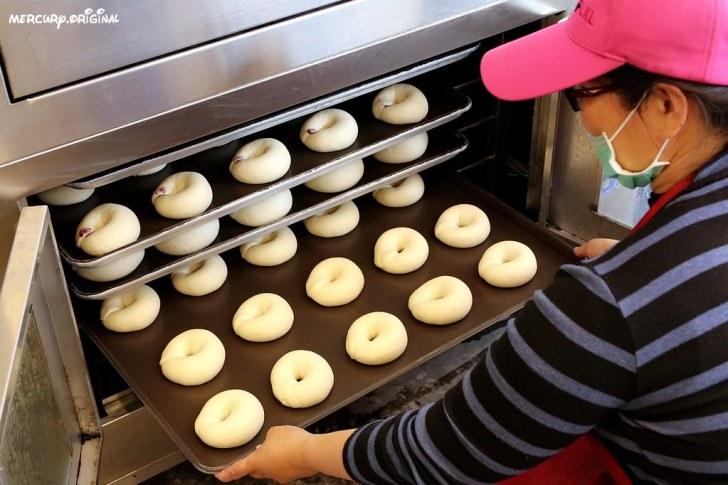 47225159082 95c6f19c44 b - 熱血採訪 台中貝果專賣店,早上10點出爐,近20種口味,提早完售就打烊的耀初貝果