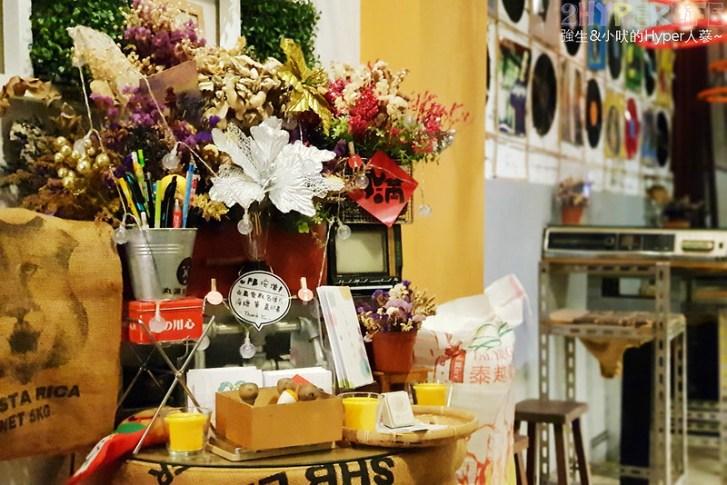 46364518904 18800fd826 c - 丸滿食物所│滿滿復古元素超像古董店的可愛小店,餐點平價口味也不錯哦!