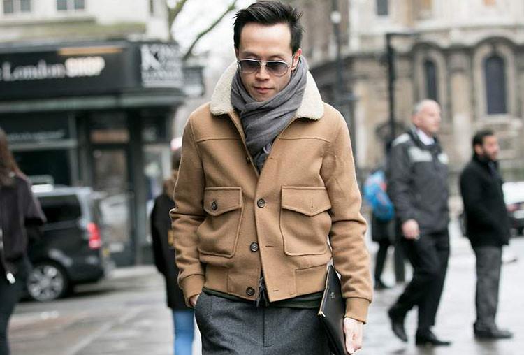 look masculino smart-casual con baganda gris y pantalón de vestir gris