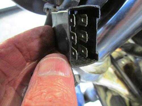 Dash Sub-Harness Male Plug Detail