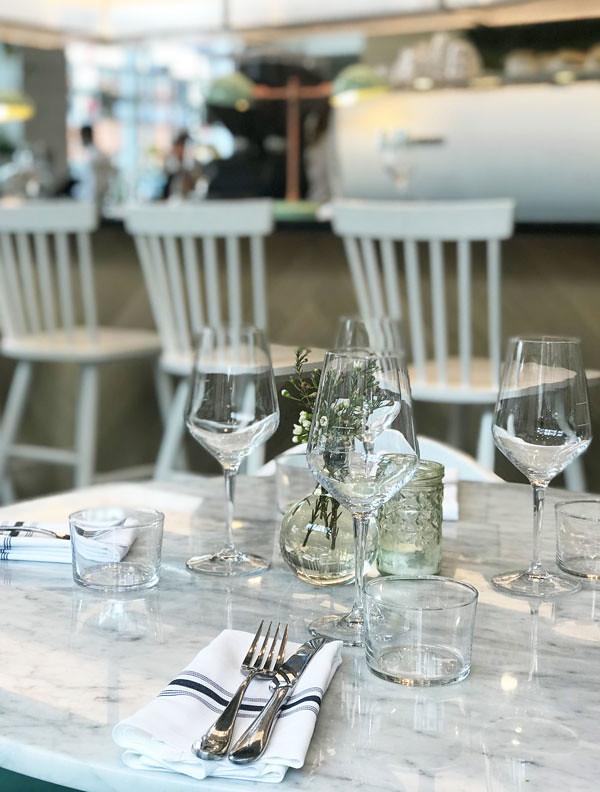 1_lov_centropolis_laval_vegan_restaurant_montreal_4