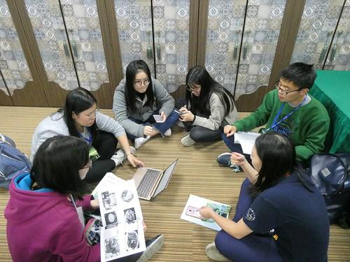 學生住在「龍岡清真寺」,到雲南傈僳族、擺夷族、回族家庭,體驗與臺灣主流文化不同的料理與滇緬少數民族特色。 (1)