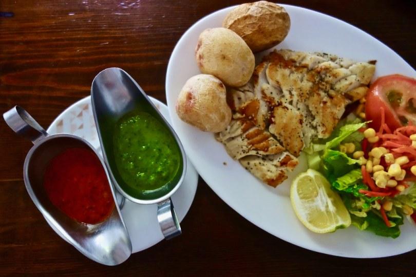 Cosa mangiare alle Canarie - Pesce alla griglia con mojos
