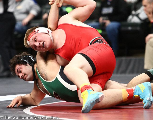 220 - Quarterfinal - Andrew Reigstad (Willmar) 33-2 won by fall over Antonio Davis (Park) 38-6 (Fall 3:52) - 190301amk0053
