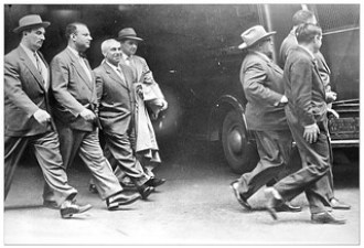 Md.-D.C. communist leaders taken to jail: 1952