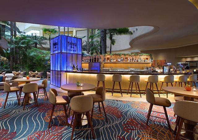 Palms Café and Bar