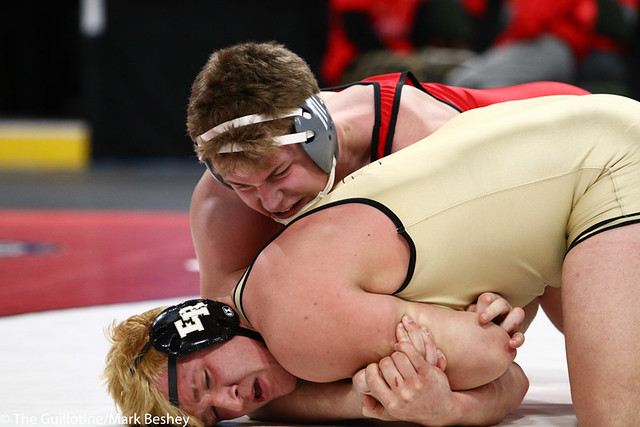 285AAA 1st Place Match - Bryce Benhart (Lakeville North) 34-0 won by decision over Marco Cavallaro (East Ridge) 36-5 (Dec 7-0) - 190302bmk0408