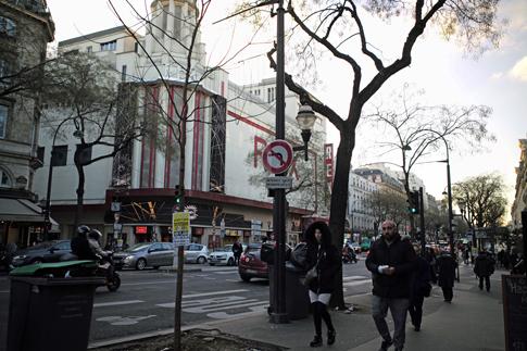 19a18 Grands Boulevards_0012 variante Uti 485
