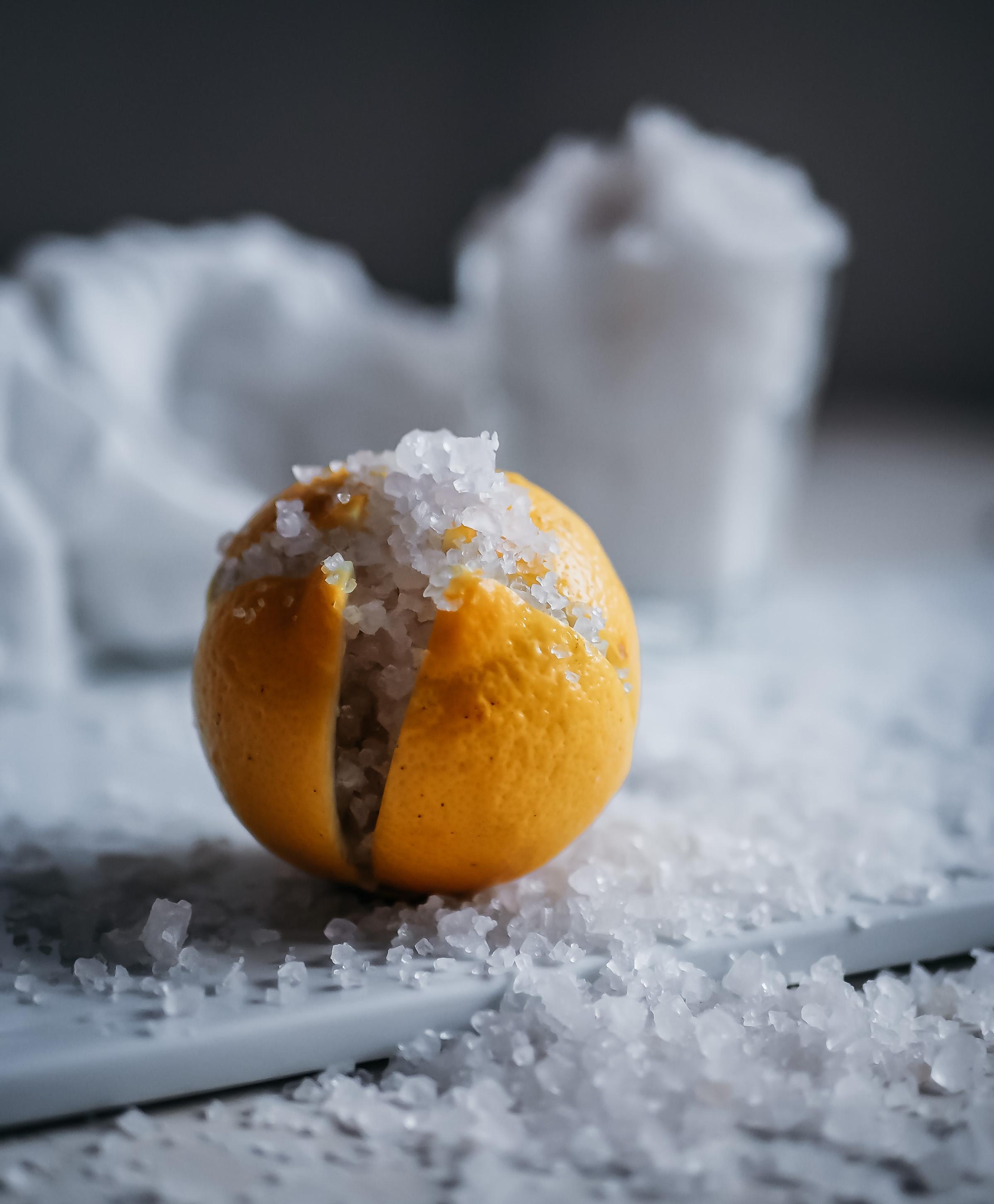 suolaan säilötty sitruuna