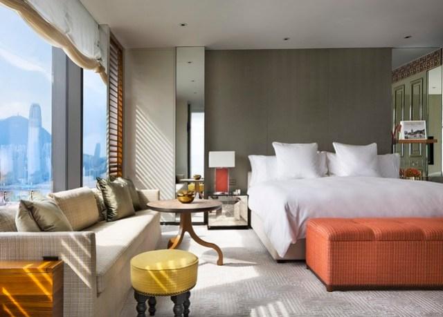 RWHKG_Harbour Corner Suite Bedroom Room (Daylight)
