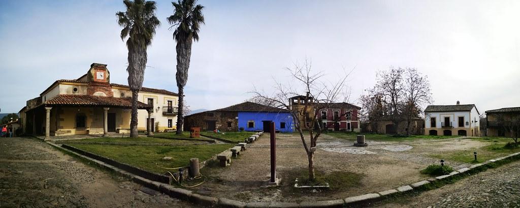 Plaza Mayor casas edificios Granadilla Caceres 01