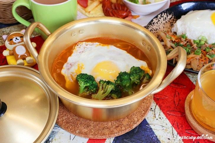 32800226408 e60822bd10 b - 熱血採訪|台中少見韓式平價早午餐,老闆娘從韓國首爾來台,早餐就能吃到道地韓式拌飯部隊鍋