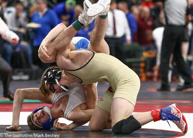 138AAA 5th Place Match - Gavin Peterson (Maple Grove) 46-7 won in sudden victory - 1 over Landen Johnson (Owatonna) 42-11 (SV-1 4-2) - 190302cmk0114