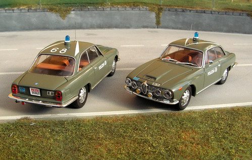 Alfa_Romeo_2600_Coupè_Polizia_Stradale-001