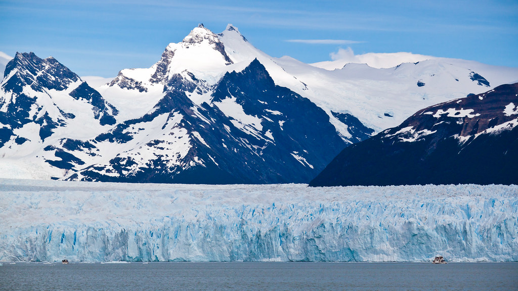 Los Glaciares Or Glaciers National Park Is Home To Some Of The Worlds Most Awe Inspiring Natural Wonders Located In Santa Cruz Province Vast