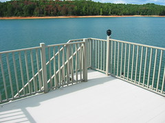 The Handrail or top rail provides an easy-to-grip, smooth surface and the high thermal conductivity of aluminum make the Handrails perfectly cool-to-the touch, even on the hottest summer days. Moreover, the design of the pre-assembled sections will not pe