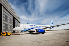 SSJ100 for Interjet - Painting the livery