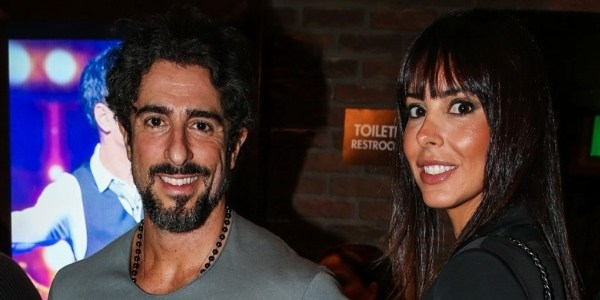 """Marcos Mion revela câncer de mama da mulher: """"Agimos rápido e vencemos"""""""