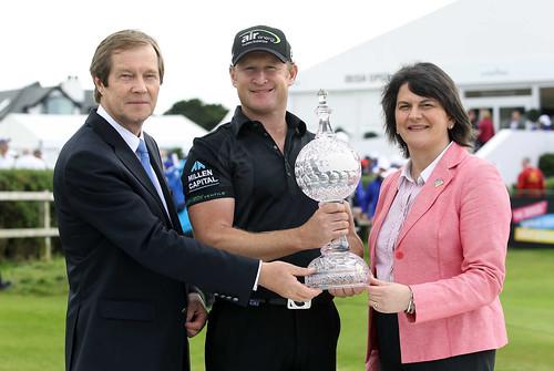 Tourism Minister Presents Irish Open Trophy