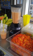 "Smoothie Catering beim ADAC • <a style=""font-size:0.8em;"" href=""http://www.flickr.com/photos/69233503@N08/8447767656/"" target=""_blank"">View on Flickr</a>"