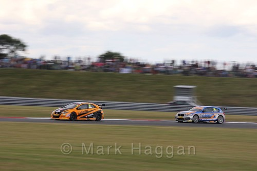 Rob Collard and Matt Neal in Touring Car action during the BTCC 2016 Weekend at Snetterton