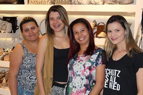 Josinha Damasceno e clientes