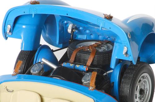 550RS-motore-int_cofano