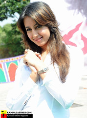 South Actress SANJJANAA Photos Set-7 (21)