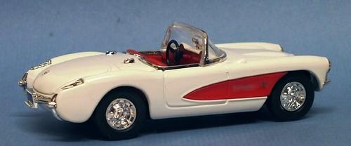 15 Yatming Corvette 1957