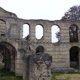 Ruines du Palais Gallien, Bordeaux, Gironde, A...