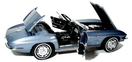 37 AutoArt 63 Corvette conv.