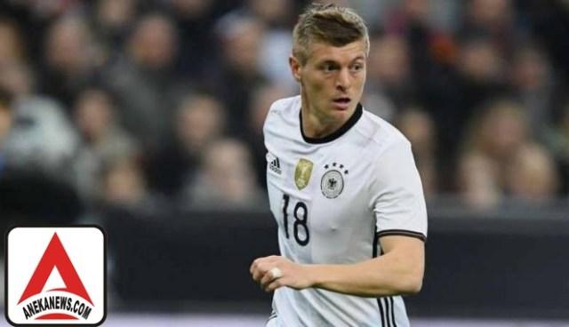 #Bola: Schweinsteiger Pensiun, Kroos Jadi Kapten Timnas Jerman?