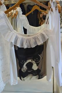 Bom humor nas blusas e camisetas