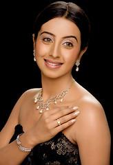 South Actress SANJJANAA Photos Set-11 (9)